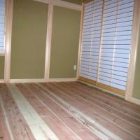 和室の荒床は杉板の無垢材