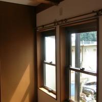 連装窓と化粧梁