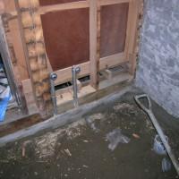 向い側の合板は耐力壁に使用します…他の壁も補強をします。